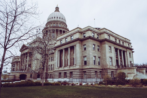 photo of government building to support white paper about NIST